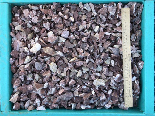 Крошка красная мрамор 10-20 мм