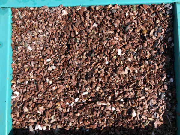 Крошка красная мрамор 5-10 мм