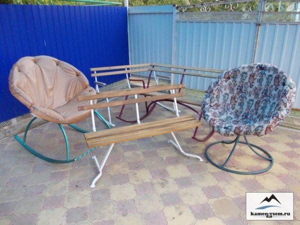 Уличные стулья и кресла
