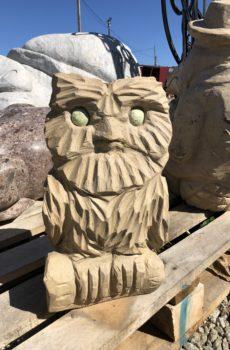 Каменная статуя Сова